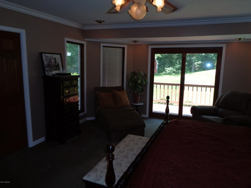 Additional photo for property listing at 3017 Windsor Lakes Pkwy  Louisville, Kentucky 40214 United States