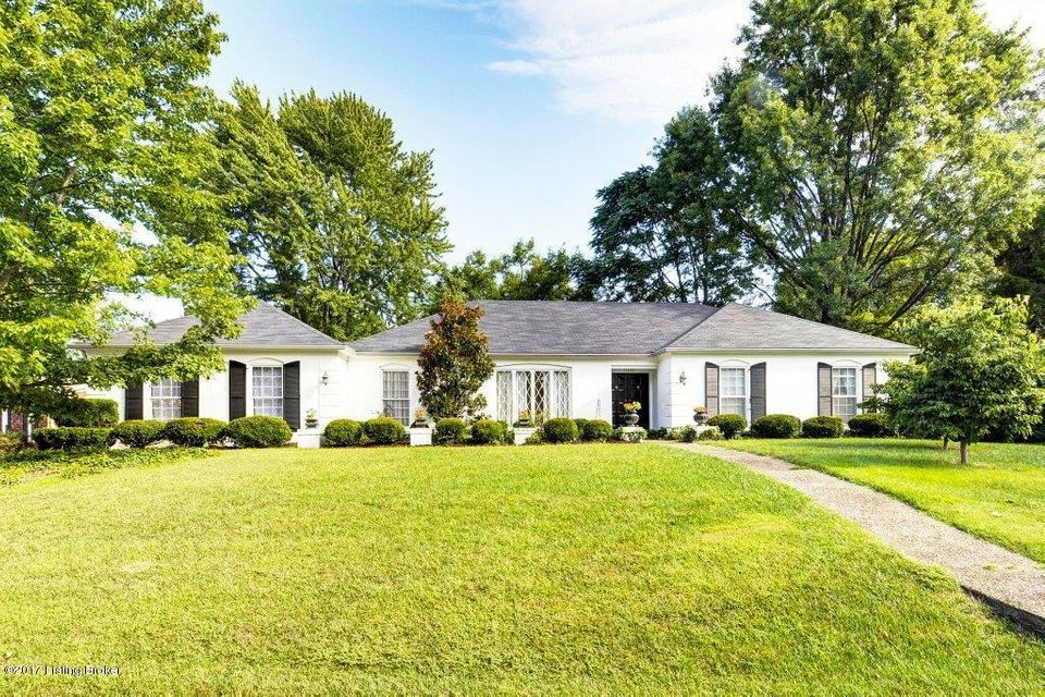 Single Family Home for Sale at 11109 Huntley Place Louisville, Kentucky 40243 United States