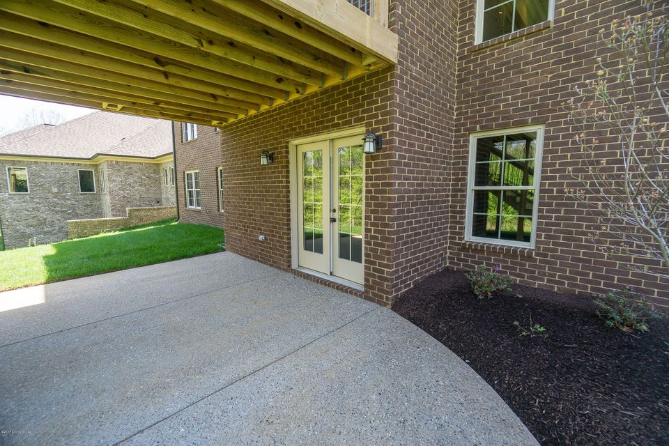 Additional photo for property listing at 17103 Shakes Creek Drive  Louisville, Kentucky 40023 United States