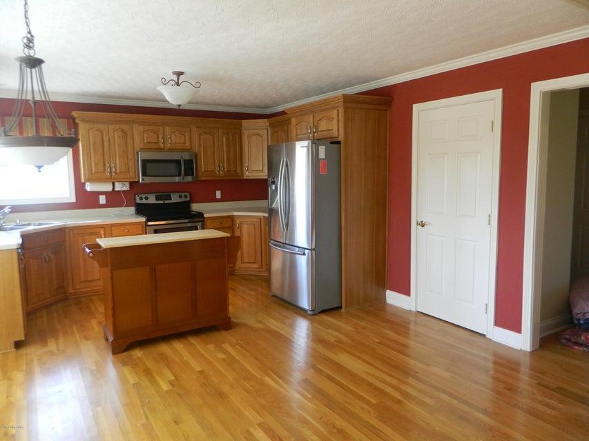 Additional photo for property listing at 631 Barbara Sue Lane  Mount Washington, Kentucky 40047 United States