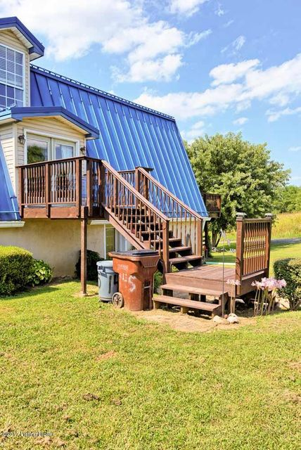 Additional photo for property listing at 145 Hill Valley Drive  Taylorsville, Kentucky 40071 United States
