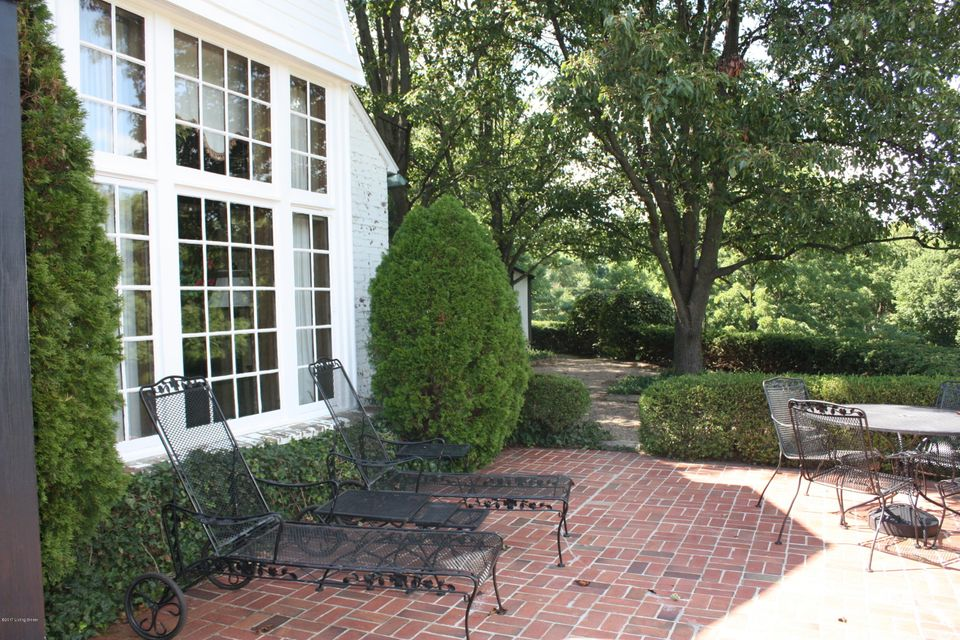 Additional photo for property listing at 304 Mockingbird Valley Road  Louisville, Kentucky 40207 United States