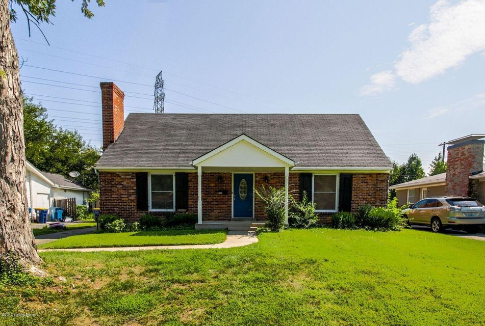 Single Family Home for Sale at 6817 Green Meadow Circle Louisville, Kentucky 40207 United States