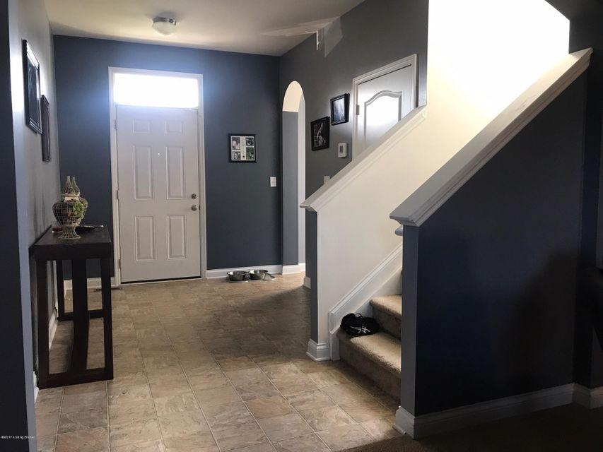 Additional photo for property listing at 9119 Big Boulder Drive  Louisville, Kentucky 40291 United States