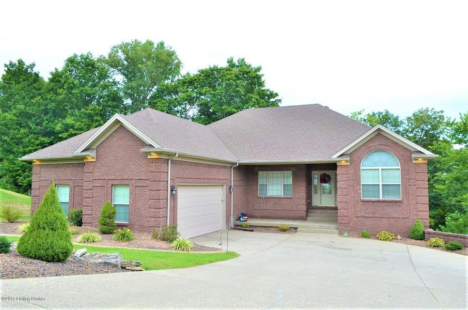 Single Family Home for Sale at 823 Millbrook Circle Shepherdsville, Kentucky 40165 United States
