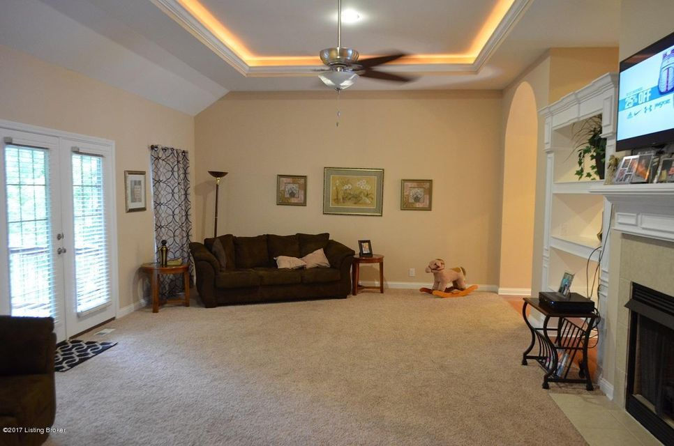 Additional photo for property listing at 823 Millbrook Circle  Shepherdsville, Kentucky 40165 United States