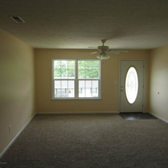 Additional photo for property listing at 376 School Side Drive 376 School Side Drive Brandenburg, Kentucky 40108 United States