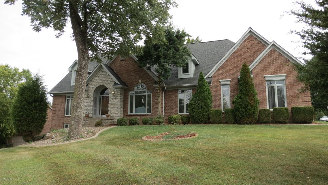 Single Family Home for Sale at 4701 Wolfcreek Pkwy Louisville, Kentucky 40241 United States