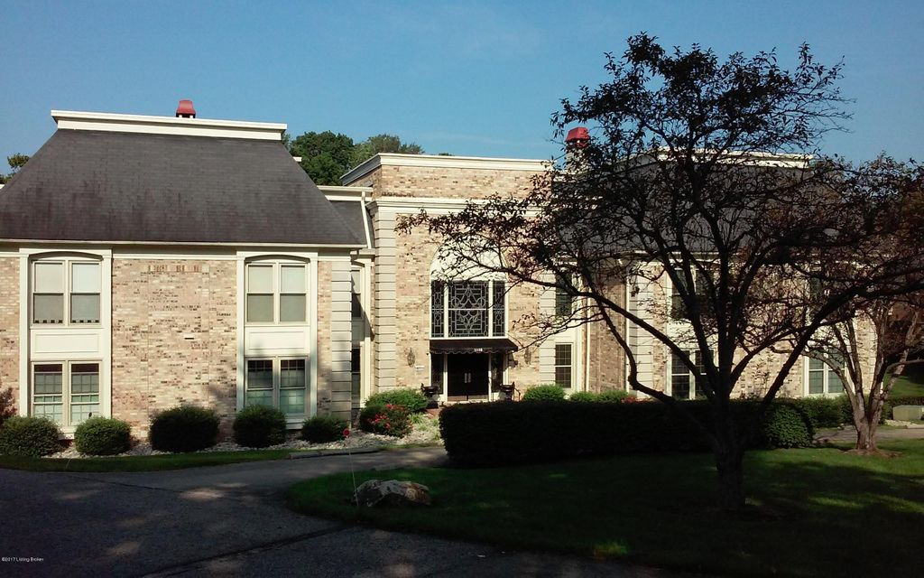 Condominium for Sale at 1110 Chamberlain Hill Road Louisville, Kentucky 40207 United States