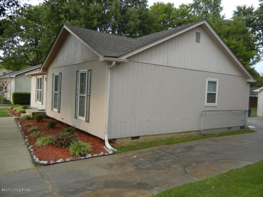 Additional photo for property listing at 3411 La Follette Drive  Jeffersontown, Kentucky 40299 United States