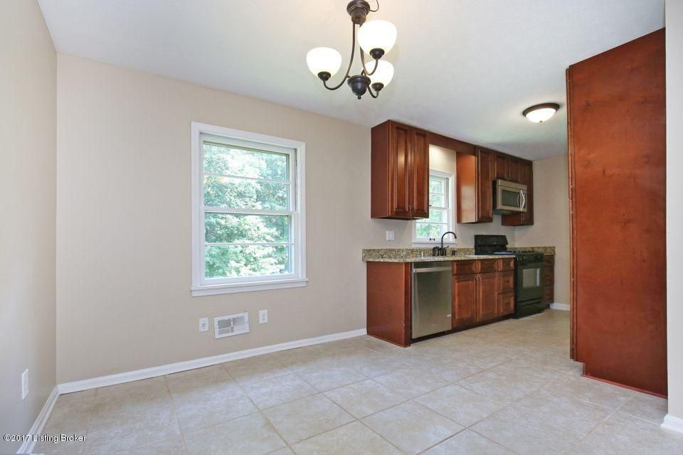 Additional photo for property listing at 194 Lakeview Trail  Shepherdsville, Kentucky 40165 United States