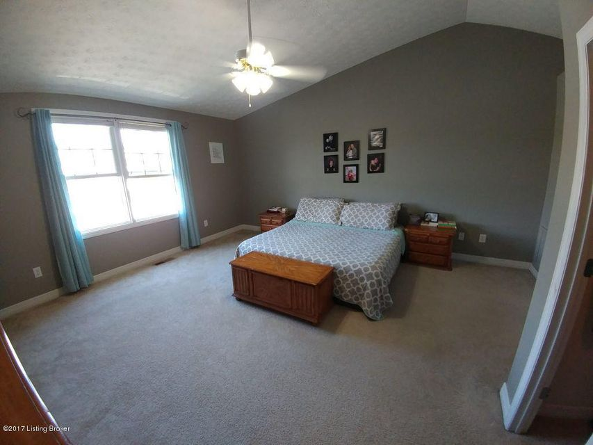 Additional photo for property listing at 6605 Brook Falls Court  Louisville, Kentucky 40299 United States