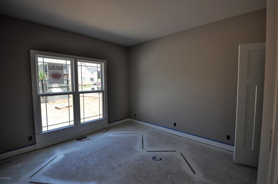 Additional photo for property listing at 6628 Nightingale Bluff Lane  Louisville, Kentucky 40241 United States