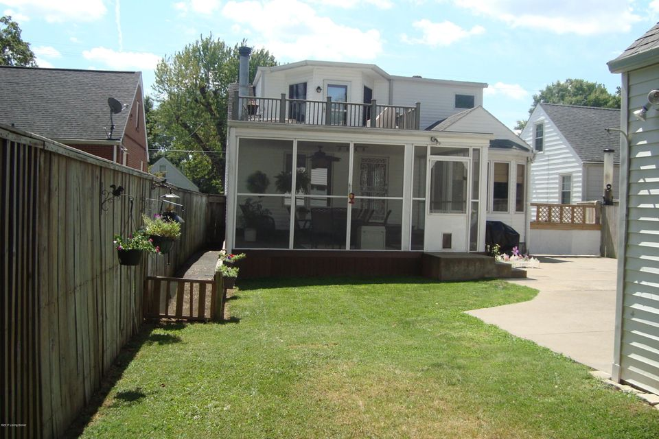 Single Family Home for Sale at 3645 Warner Avenue 3645 Warner Avenue Louisville, Kentucky 40207 United States