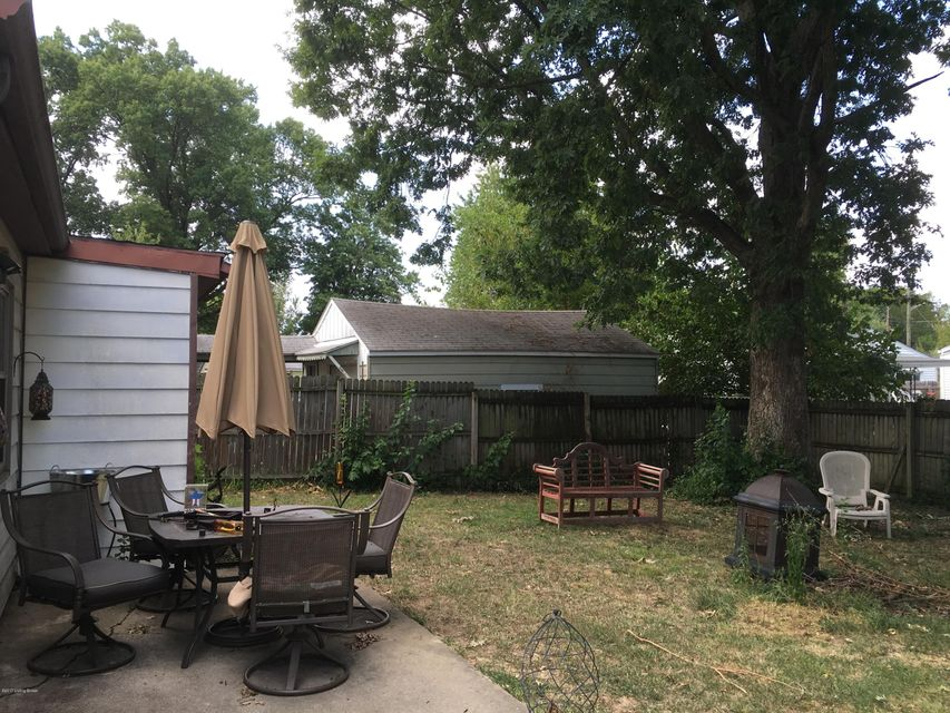 Additional photo for property listing at 4815 Bluebird Avenue 4815 Bluebird Avenue Louisville, Kentucky 40213 United States