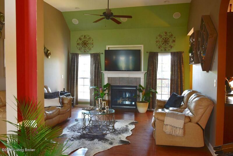 Additional photo for property listing at 7325 Brook Meadow Drive  Louisville, Kentucky 40228 United States