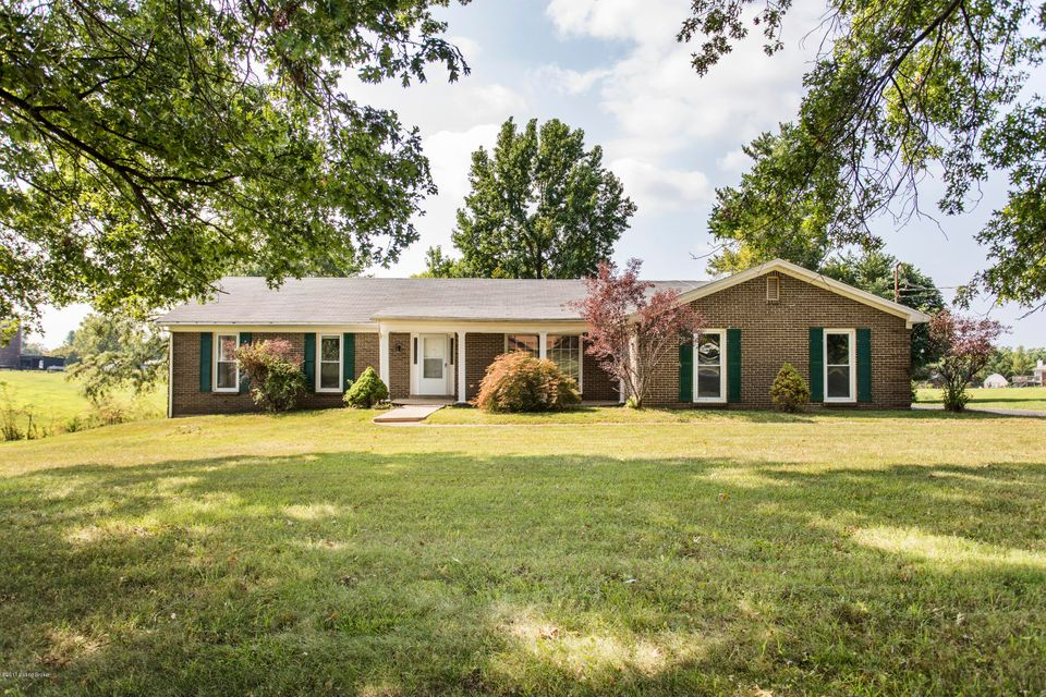 Single Family Home for Sale at 5801 Summit View Lane Crestwood, Kentucky 40014 United States