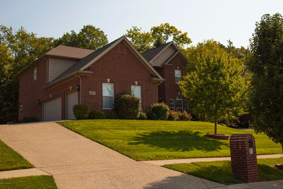 Single Family Home for Sale at 16707 Glen Lakes Drive 16707 Glen Lakes Drive Louisville, Kentucky 40245 United States