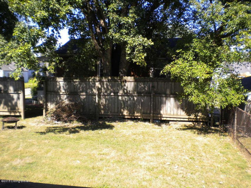 Additional photo for property listing at 2726 Taylor 2726 Taylor Louisville, Kentucky 40208 United States