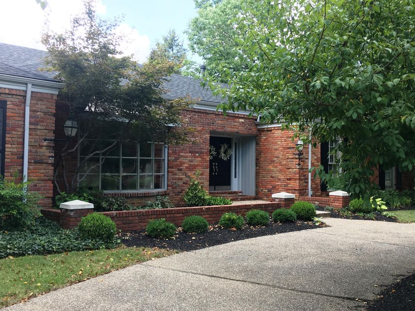 Additional photo for property listing at 220 S Lyndon Lane 220 S Lyndon Lane Louisville, Kentucky 40222 United States