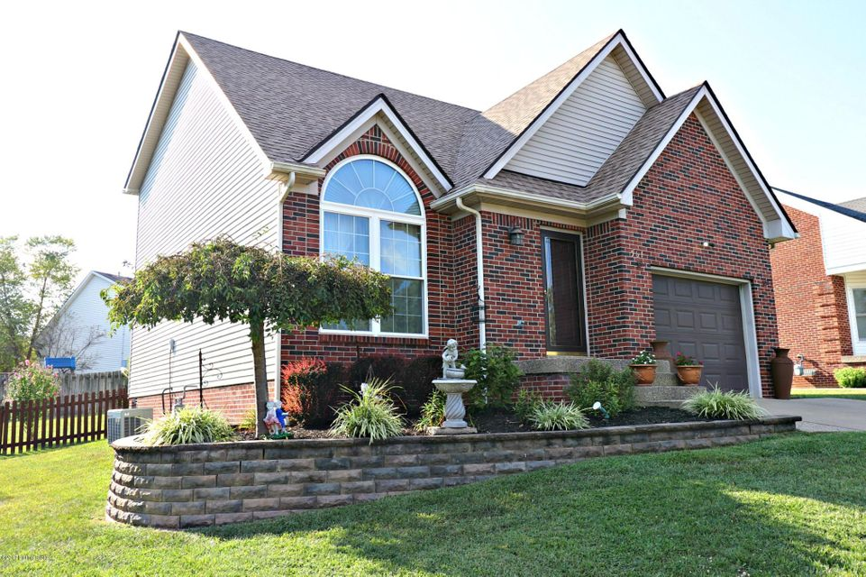 Additional photo for property listing at 561 Hawthorne Avenue 561 Hawthorne Avenue Shelbyville, Kentucky 40065 United States