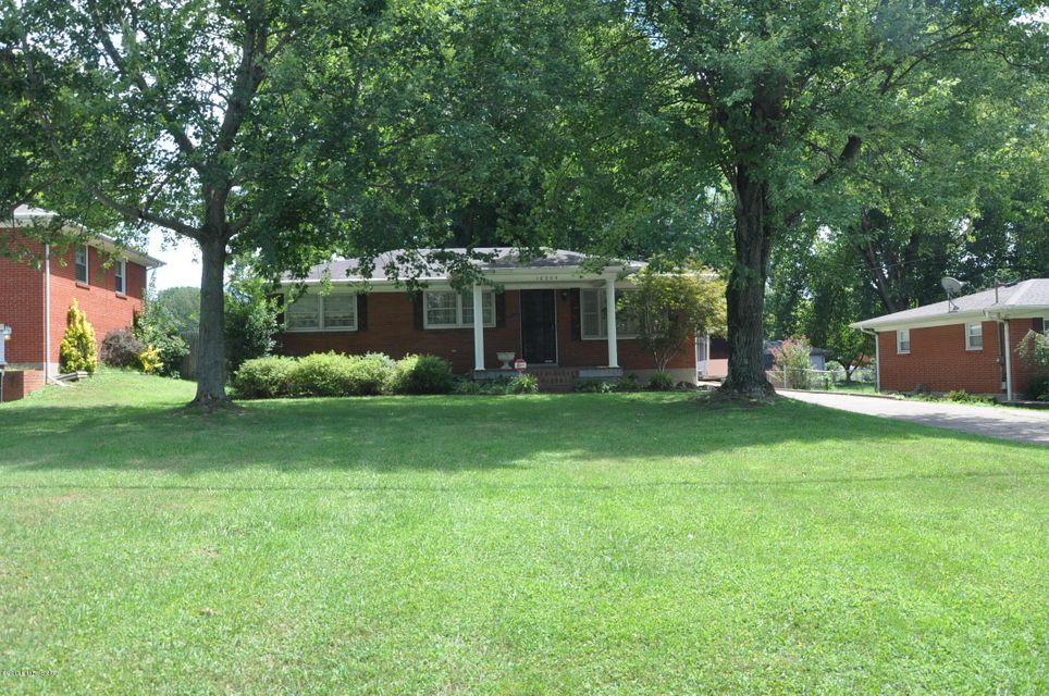 Additional photo for property listing at 10205 Dodge Lane 10205 Dodge Lane Louisville, Kentucky 40272 United States