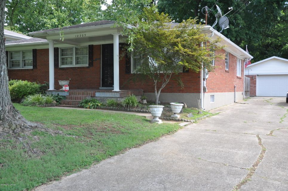 Single Family Home for Sale at 10205 Dodge Lane 10205 Dodge Lane Louisville, Kentucky 40272 United States