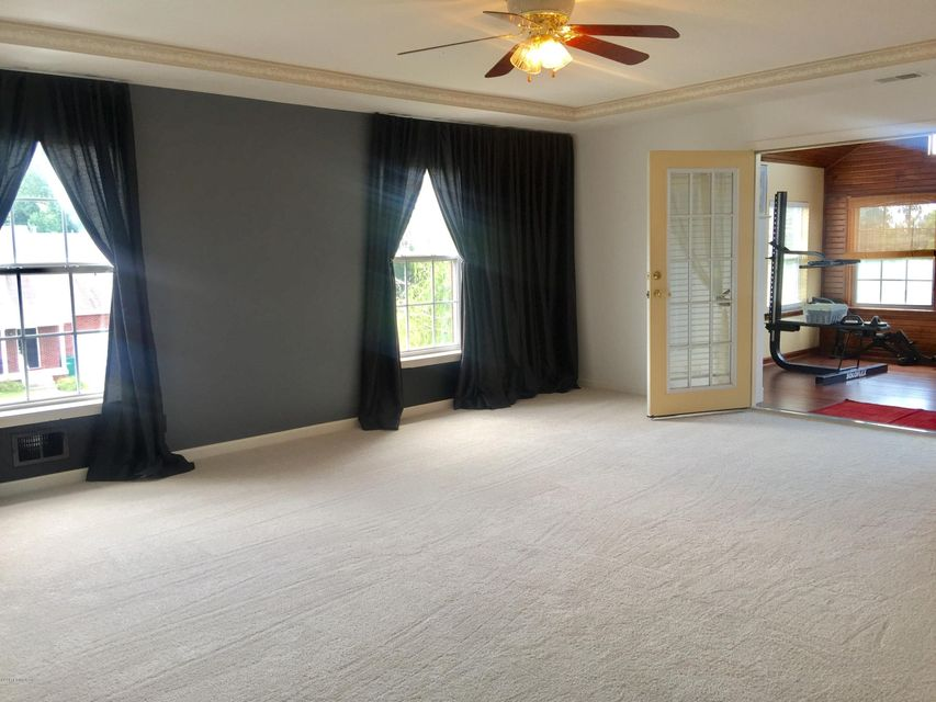Additional photo for property listing at 8702 Hidden Grove Place  Louisville, Kentucky 40291 United States