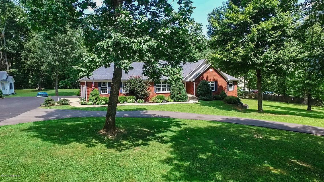 Single Family Home for Sale at 470 Windy Ridge Road Shepherdsville, Kentucky 40165 United States