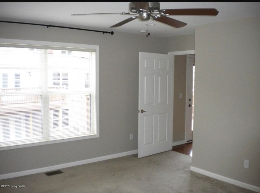 Additional photo for property listing at 10208 Dorsey Pointe Circle 10208 Dorsey Pointe Circle Louisville, Kentucky 40223 United States