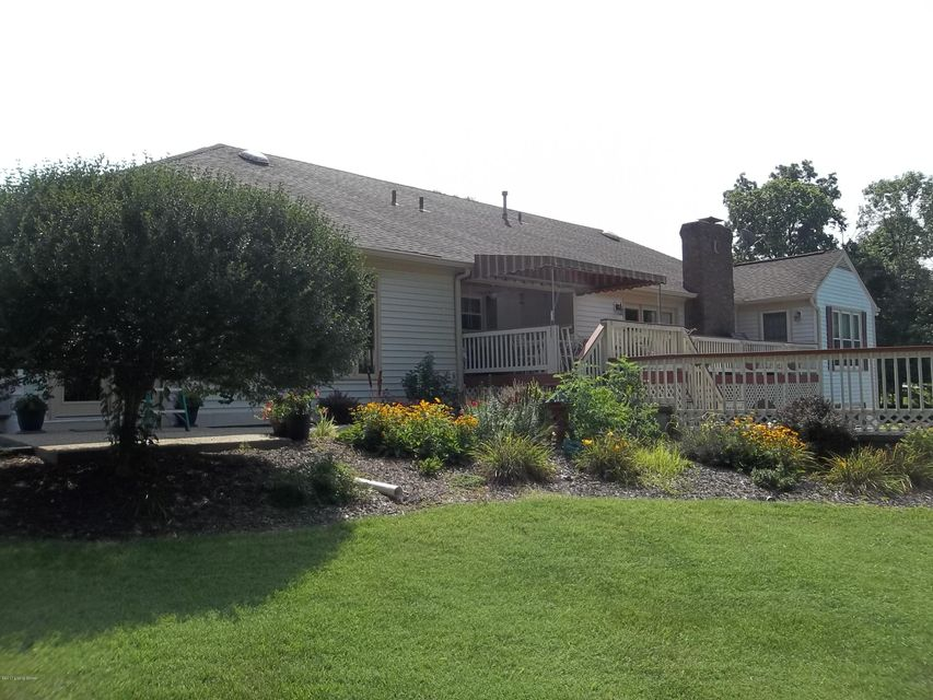 Additional photo for property listing at 3822 N Camden Lane 3822 N Camden Lane Crestwood, Kentucky 40014 United States
