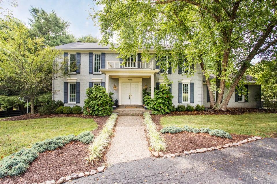 Single Family Home for Sale at 12101 Plantation Blvd Goshen, Kentucky 40026 United States