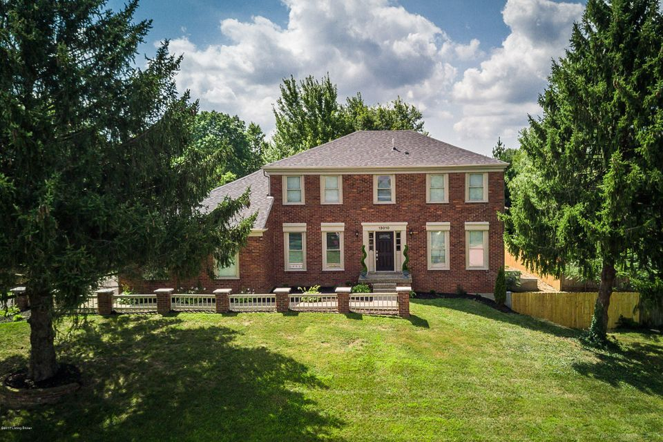 Single Family Home for Sale at 13010 PINE HILL Court 13010 PINE HILL Court Louisville, Kentucky 40059 United States