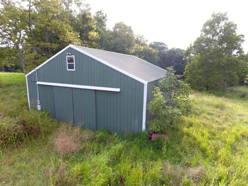 Additional photo for property listing at 1058 Jacksonville 1058 Jacksonville Bagdad, Kentucky 40003 United States