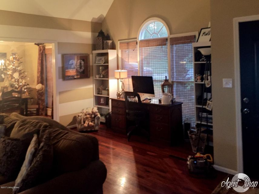Additional photo for property listing at 4519 Saratoga Hill Road 4519 Saratoga Hill Road Louisville, Kentucky 40299 United States