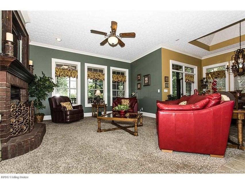 Additional photo for property listing at 3025 E Lobo Ridge 3025 E Lobo Ridge New Albany, Indiana 47150 United States