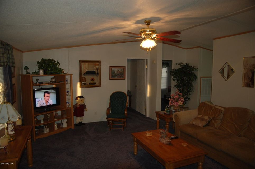 Additional photo for property listing at 8540 S Hwy 333 8540 S Hwy 333 Vine Grove, Kentucky 40175 United States