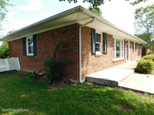 Additional photo for property listing at 212 Juniper Drive 212 Juniper Drive Frankfort, Kentucky 40601 United States