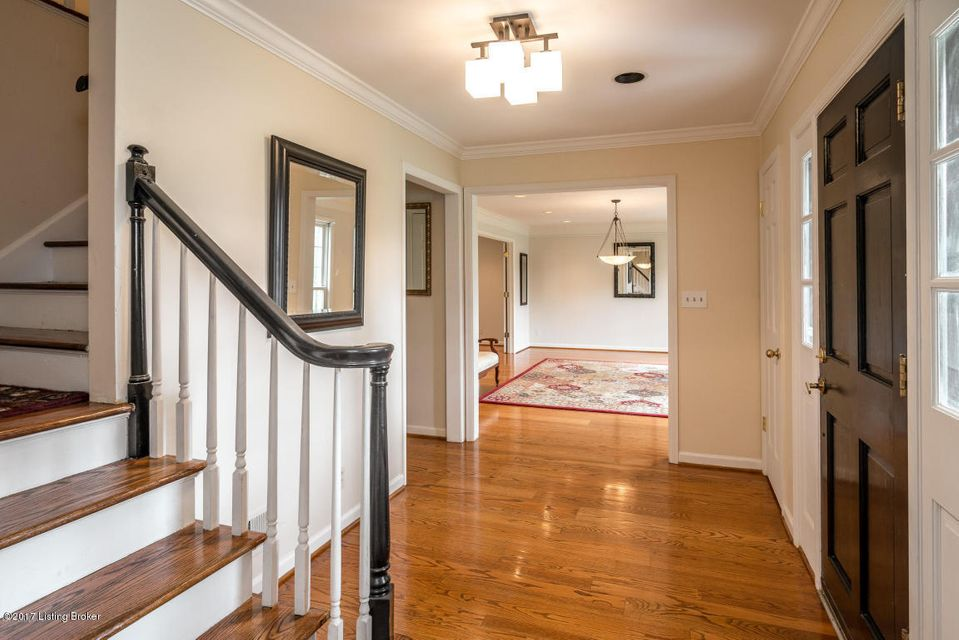 Additional photo for property listing at 5905 Grayson Court 5905 Grayson Court Louisville, Kentucky 40222 United States