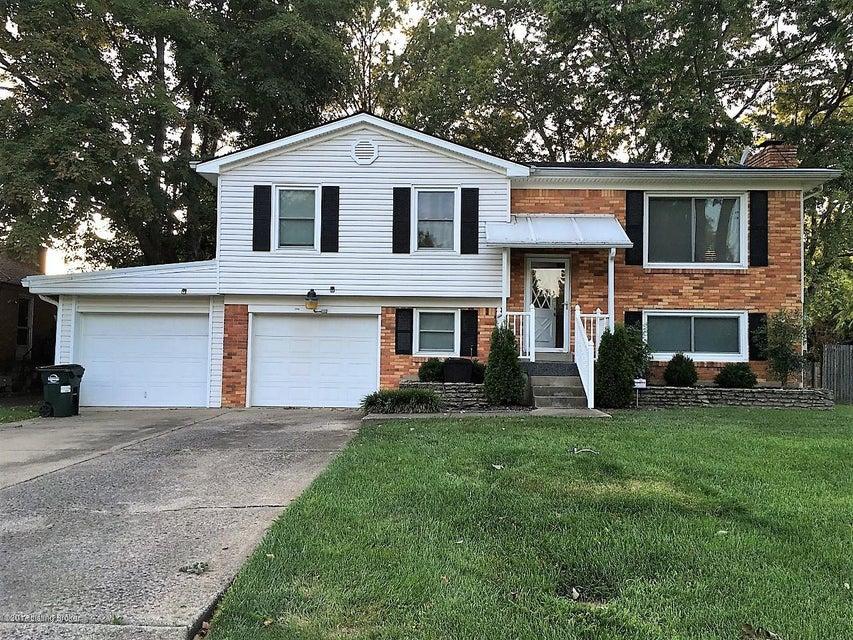Single Family Home for Sale at 1104 Sir Lancelot Lane 1104 Sir Lancelot Lane Louisville, Kentucky 40222 United States