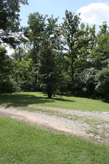 Additional photo for property listing at 9523 Fern Creek Road  Louisville, Kentucky 40291 United States