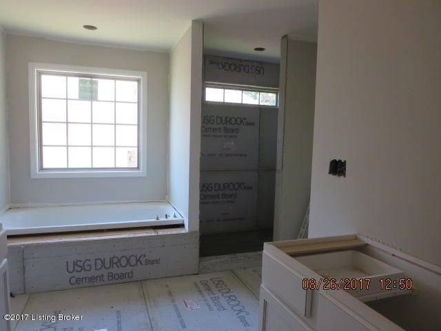 Additional photo for property listing at 335 Cranbury Way 335 Cranbury Way Louisville, Kentucky 40245 United States