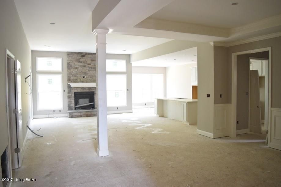 Additional photo for property listing at 752 Dehart Lane  Louisville, Kentucky 40245 United States
