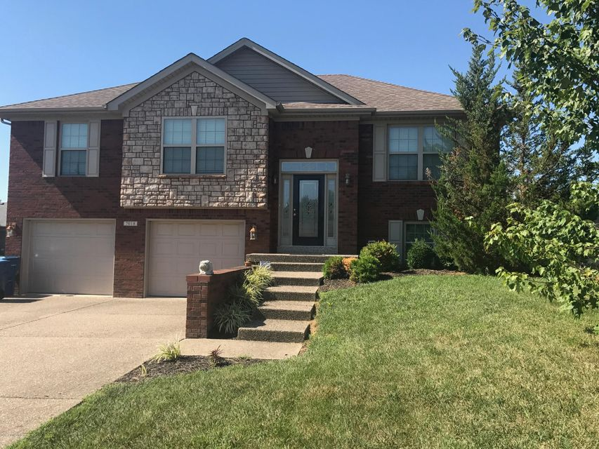 Single Family Home for Sale at 7018 Box Car Way 7018 Box Car Way Louisville, Kentucky 40272 United States