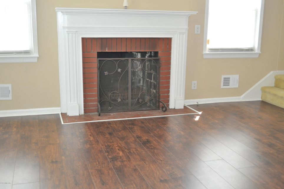 Additional photo for property listing at 204 S Arbor Park Park 204 S Arbor Park Park Louisville, Kentucky 40214 United States