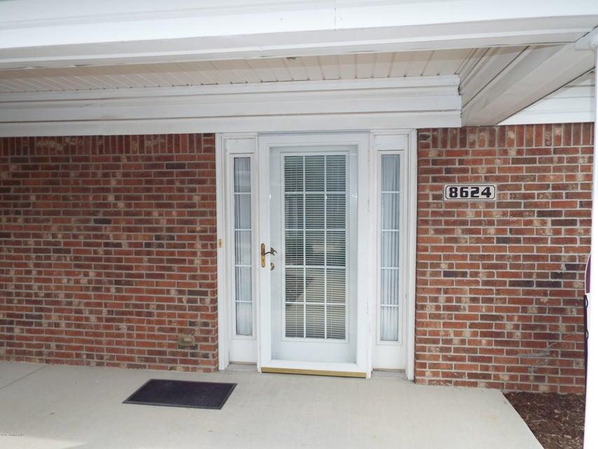 Condominium for Sale at 8624 Applegate Village Drive 8624 Applegate Village Drive Louisville, Kentucky 40219 United States