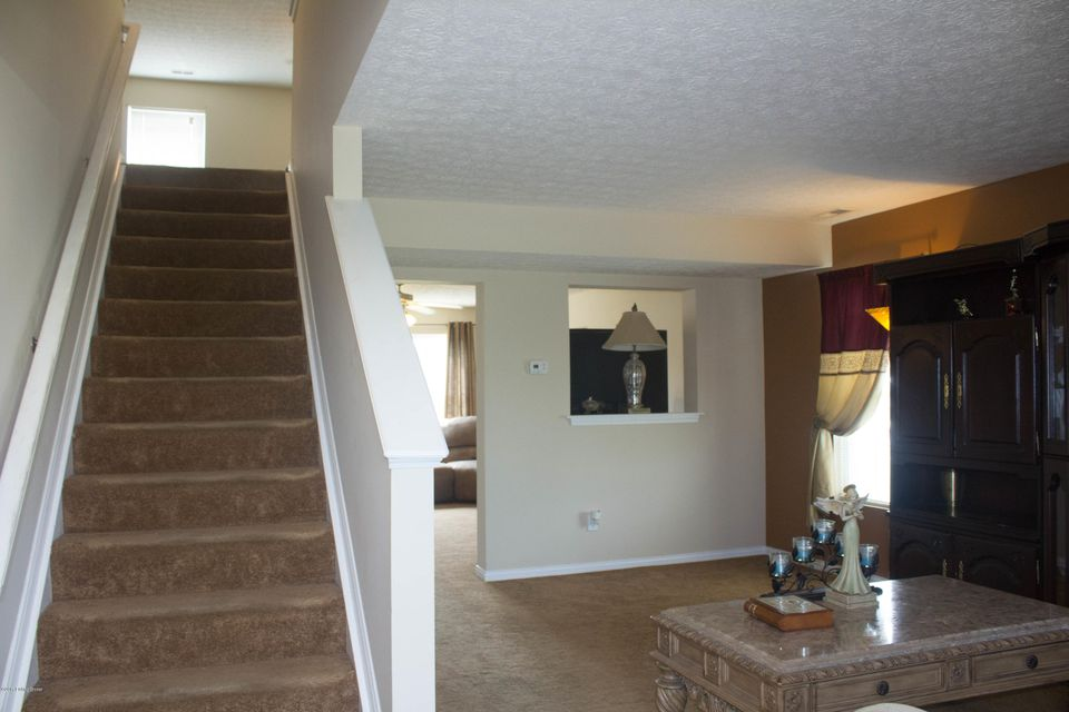 Additional photo for property listing at 4500 Shelvis Drive 4500 Shelvis Drive Louisville, Kentucky 40216 United States