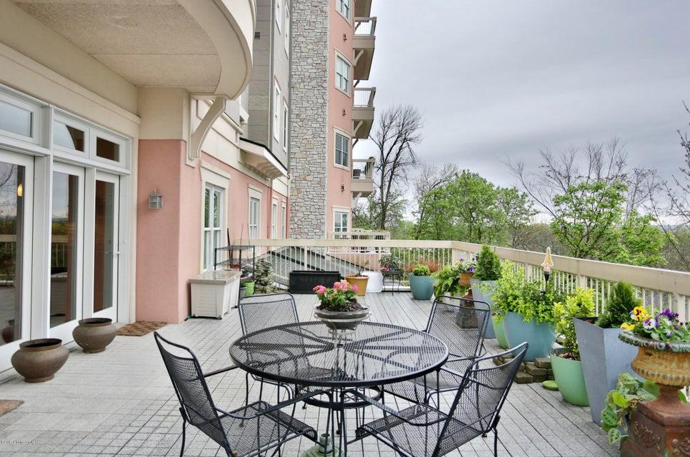 Condominium for Sale at 1409 Mockingbird Terrace Drive Louisville, Kentucky 40207 United States