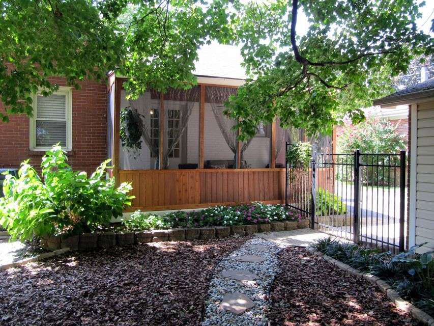 Additional photo for property listing at 3015 Peale Avenue  Louisville, Kentucky 40205 United States
