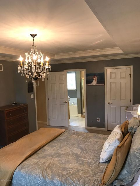 Additional photo for property listing at 1317 Crosstimbers Drive 1317 Crosstimbers Drive Louisville, Kentucky 40245 United States